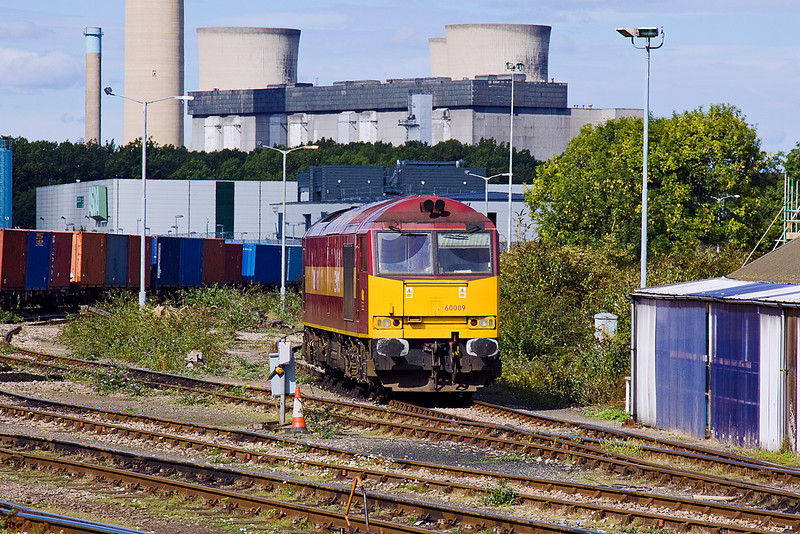 18th Sep 10:  Didcot resident super shunter 60009 waits the next call of duty