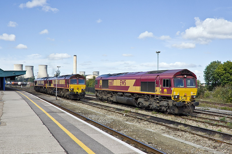 18th Sep 10:  Resting at Didcot is 66117.  66133 and 020 are in the back ground