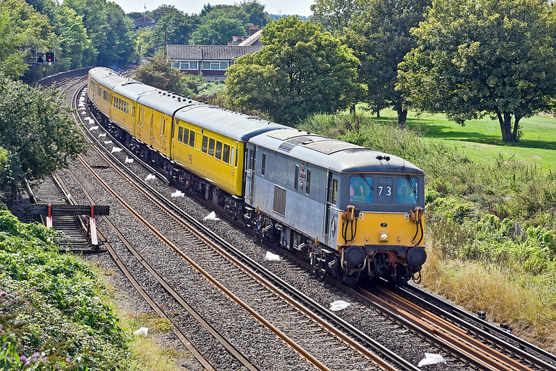 1st Sep 10:  73107 now takes the lead from 73138 as 1Q63 departs from Shepperton
