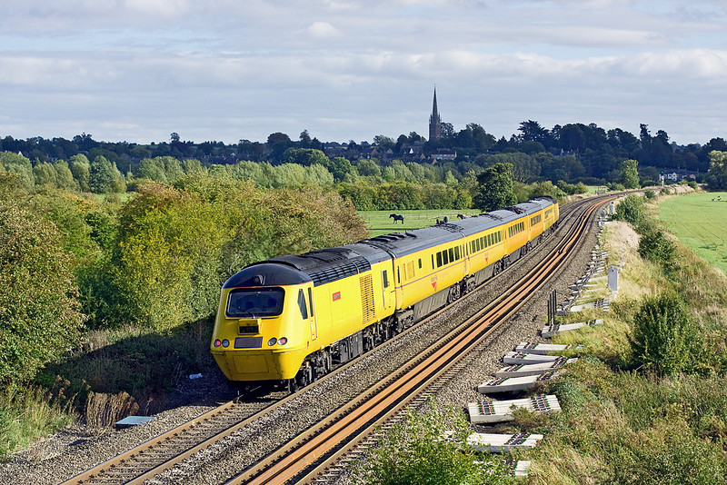 21st Sep 11:  With 43062 John Armitt on the rear the NMT is southbound through Kings Sutton as it makes for Old Oak Common