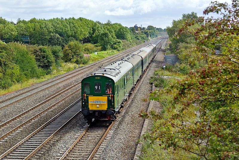 """7th Aug 11:   Hastings thumper 1001 is  captured at Breadcroft Lane in Maidenhead.  The """"Grant Tryon Memorial Tour"""" is running from Hastings to Poole.  Sounded gorgeous."""