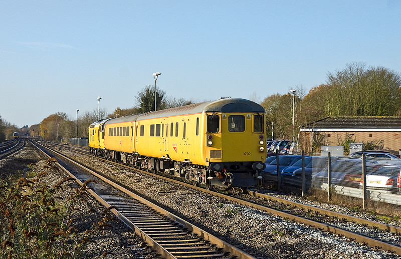 12th Dec 11:  DBS 9702 leads on 1Q13 from Derby to Old Oak Common through Twyford.  97301 was providing the push