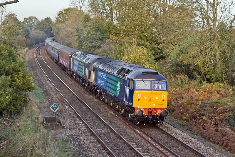 9th Nov 11:  47828 & 47501 power 5Z68 the 09.48 Crewe to Southampton the empty stock for Thursday's Cruise Saver Express from Southampton to Glasgow.  Captured here southbound through Silchester