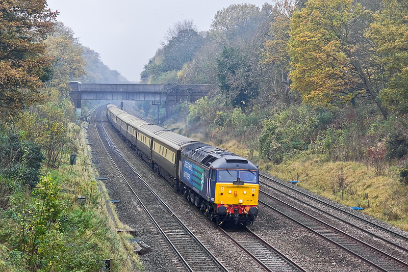 19th Nov 11:  On a very dank and miserable morning 47828 leads the VSOE Northern Belle set through the Sonning Cutting.  With 47832 on the rear 1Z80 is running from Cardiff Central to Kensington Olympia.