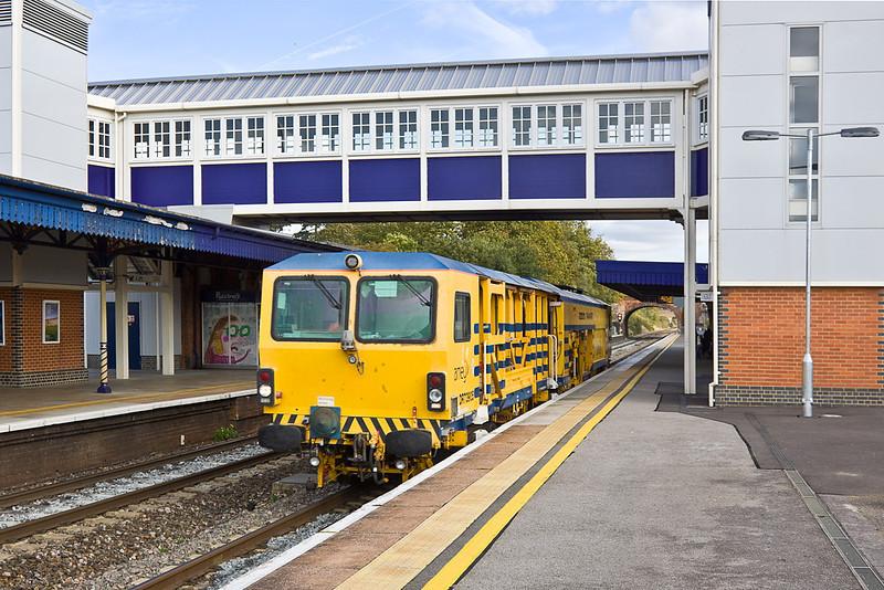 21st Oct 11:  Amey Tamper DR73905 westbound through Platform 3 at Twyford