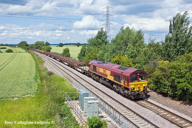 30th Jun 11:  66165 runs away from Elford dragging 6X01 from Scunthorpe to Eastleigh