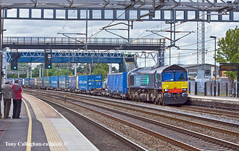 30th Jun 11:  66431 is trusted to haul 4M44 from Mossend to Daventry.  Captured at Rugeley