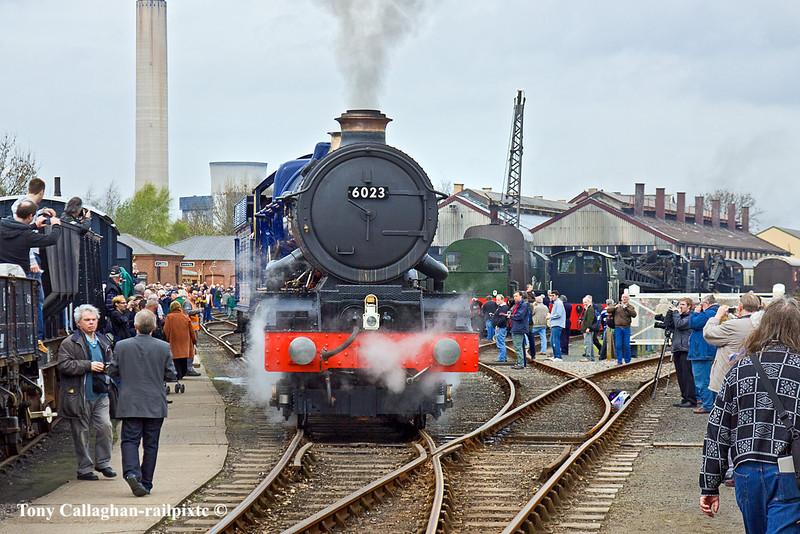 """2nd Apr 11:  Newly restored GWR 4-6-0 6024 """"King Edward I"""