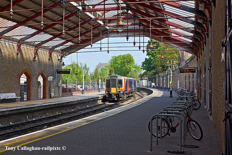 17th Apr 11:  Departing from Windsor & Eton Riverside is the 12.01 all stations to Waterloo. 450558 forms 2U34