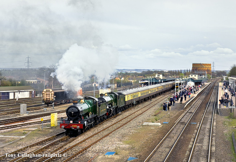 """2nd Apr 11:  Departing from Didcot is 4965 """"Rood Ashton Hall"""" taking 1Z45 back to Tyseley"""