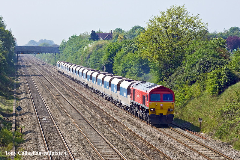 20th Apr 11:  The Whatley to St Pancras stone is powered by 59206. Pictured from the bridge in Breadcroft Lane in Maidenhead,