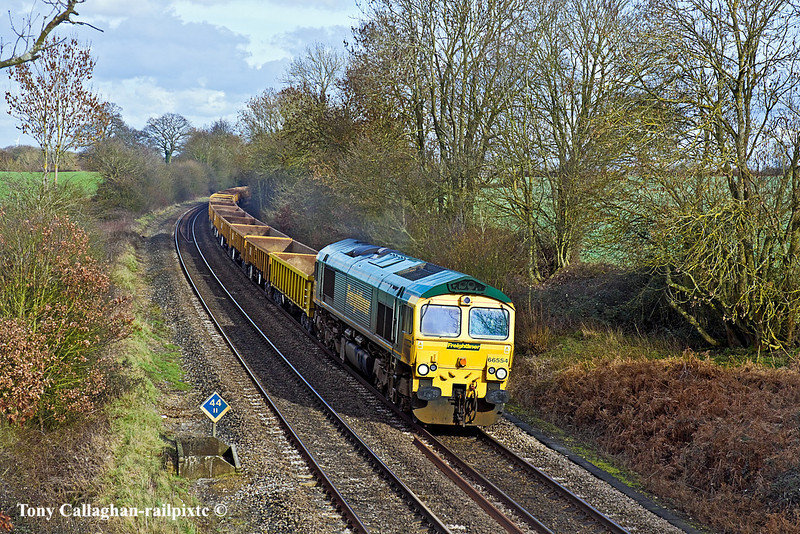 16th Feb 11:  Running over 2 hours late through Silchester is 66554 powering 6Z41, empty JNAs, from Appleford to Eastleigh.