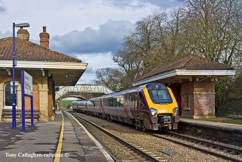 16th Feb 11:  220020 and the 09.35 from Newcastle to Southampton runs though Mortimer