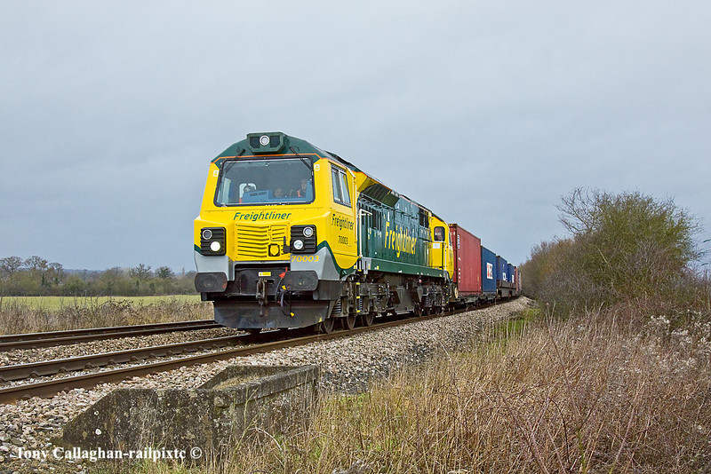 4th Feb 11:  On the return leg of the first Southampton based working by a Class 70 is 70003 powering 4O51 from Wentloog (Cardiff) back to Southampton.  She is captured here at Danes Crossing in Grazeley