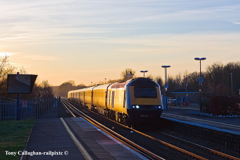 30th Jan 11: Catching the setting sun is 43130 working the 13.28 from Hereford.  Captured at Twyford