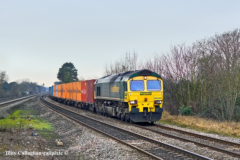 20th Jan 11:  Captured at Taplow, 4L32 the wine express from Bristol FLT to Tilbury is in the hands of 66505.