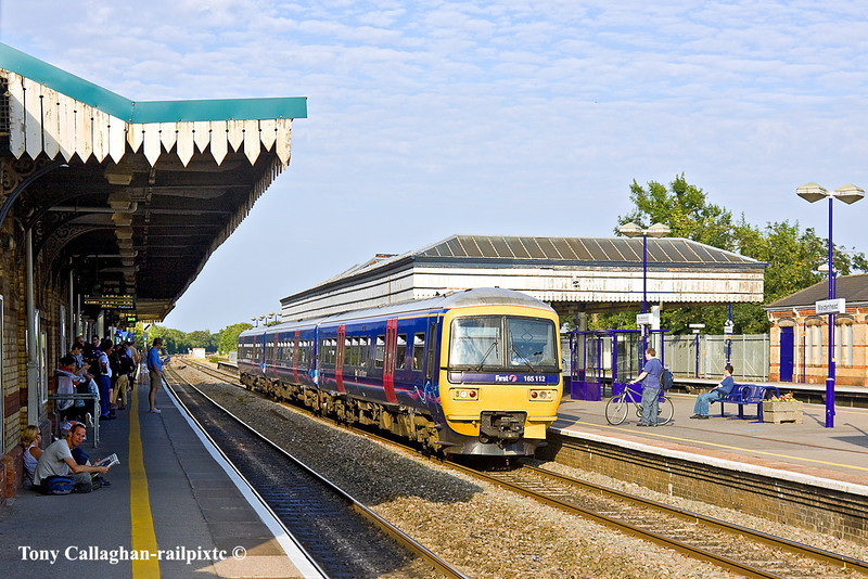 31st Jul 11:  165112 slows for the Maidenhead stop while working a Sunday evening Paddington to Reading service