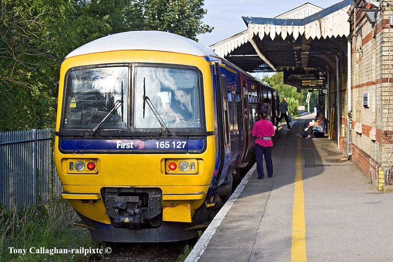 31st Jul 11:  Just arrived in the bay platform (5) at Maidenhead is 165127, it will form  2B48 the 18.48 to Marlow