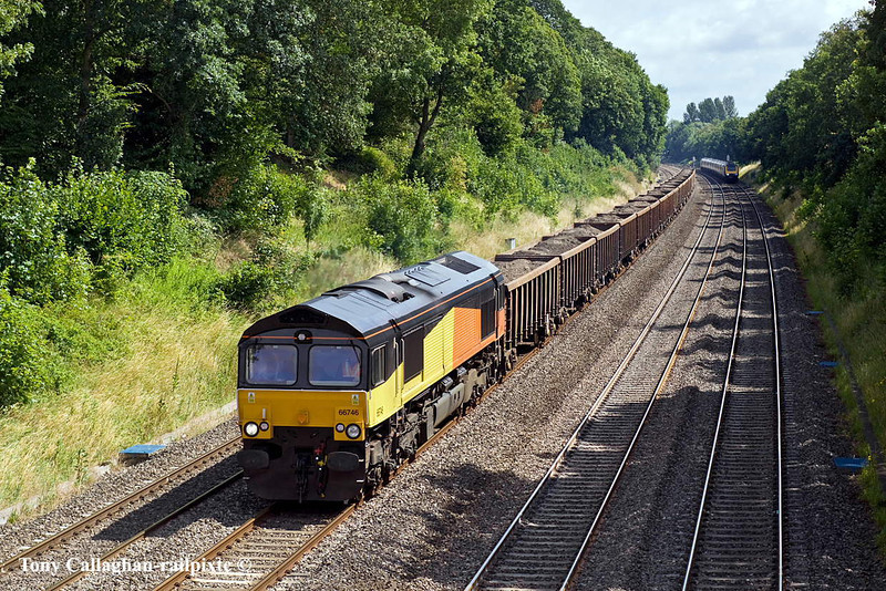 18th Jul 11:Still in it's old Colas livery  GBRf 66746 runs through the Sonning Cutting with spoil from Bow to Appleford