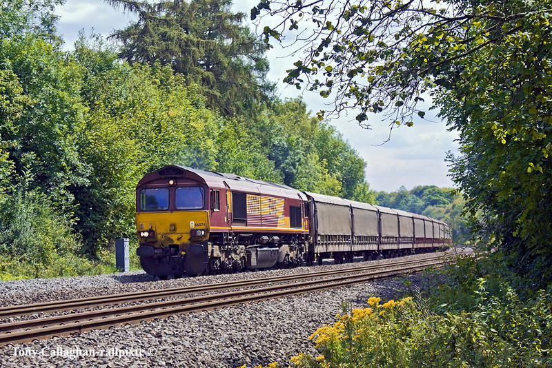 14th Jul 11:  The Car Carriers are being moved from Southampton Eastern Docks to Halewood by 66074 through the Pangbourne Cutting