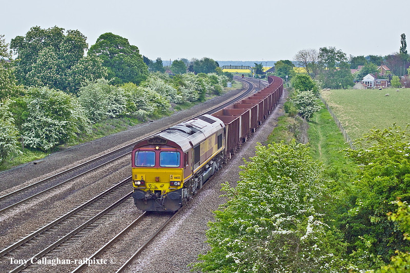 66133 return from Immingham with a further load of iron ore for Stanton. Seen here passing Melton Ross 6T25 started the journey at 13.44