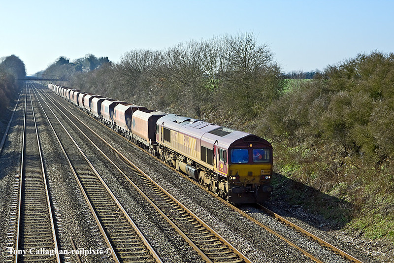 4th Mar 11:  66092 on 6M20 from Whatley to St Pancras at Shottesbrooke