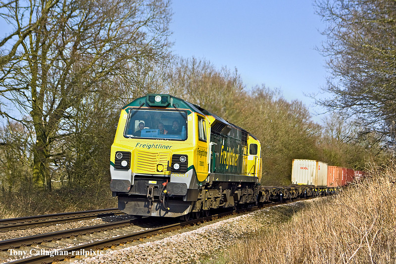 8th Mar 11:  70003 is let out again on the 'Out and Back turn to Wentloog.  The return working (4O51) is pictured at Great Park Crossing near Mortimer
