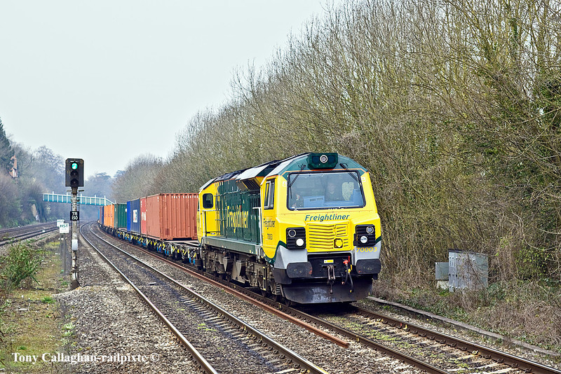 29th Mar 11:  70003 is again working 4O51 from Cardiff Wentloog to Southampton.  Pictured here ar Tilehurst