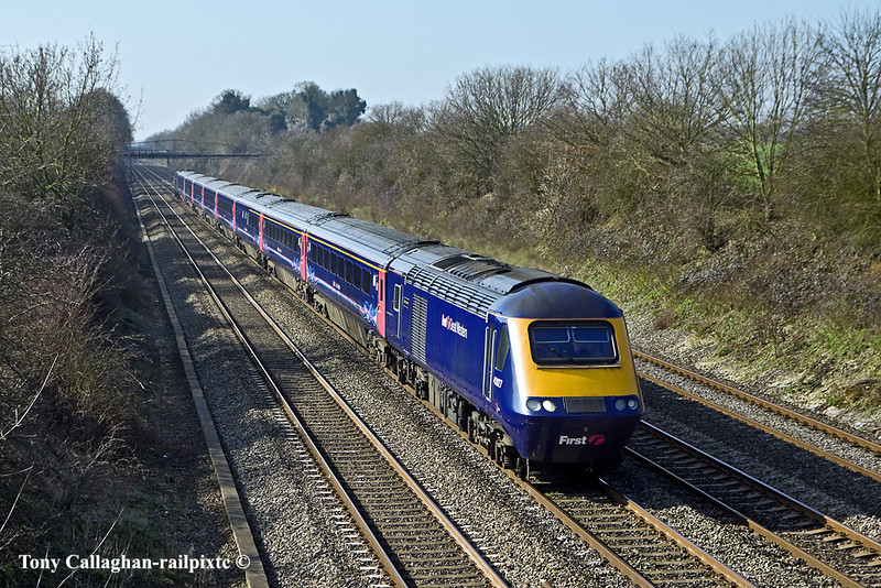 4th Mar 11:  43027 leads on the 09.54 from Great Malvern to Paddington.  Pictured on the 'Up Main' at Shottesbrooke