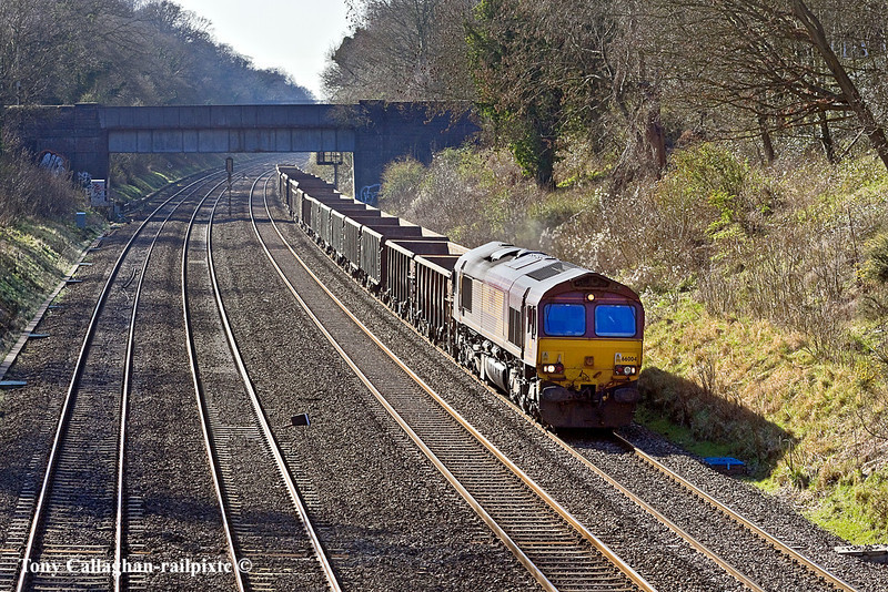 14th Mar 11:  The returning mud emptied from Appleford to Bow Olympic have reached the Sonning Cutting powered by 66004