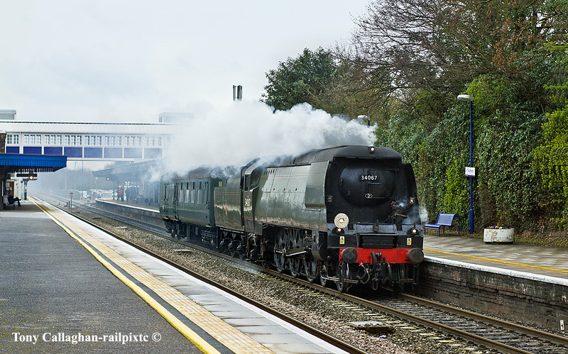 18th Mar 11:  34067 Tangmere cruises through Twyford following an Up Turbo.  5Z37 brings her  from Carnforth to Southall in preparation for the weekend's rail tour