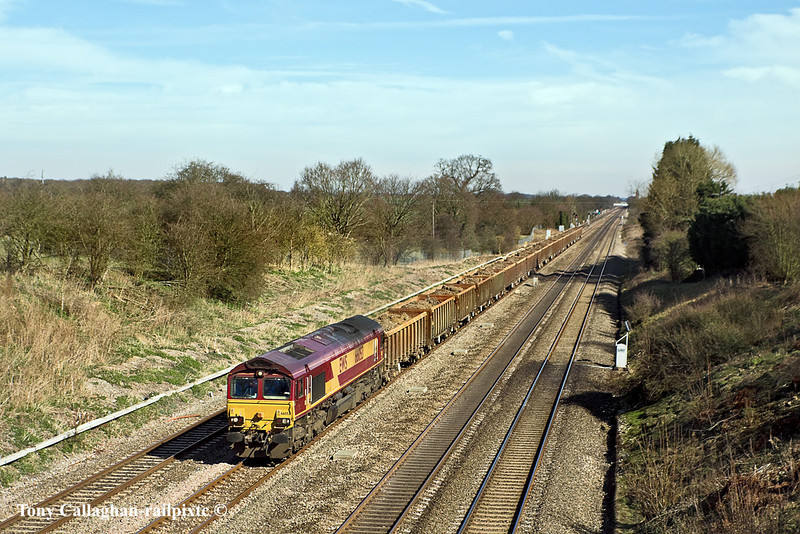 14th Mar 11:  More mud from Bow Olympic on it's way to Appleford in the hands of 66053.  Captured from Southbury Lane in RuscombeNo Caption