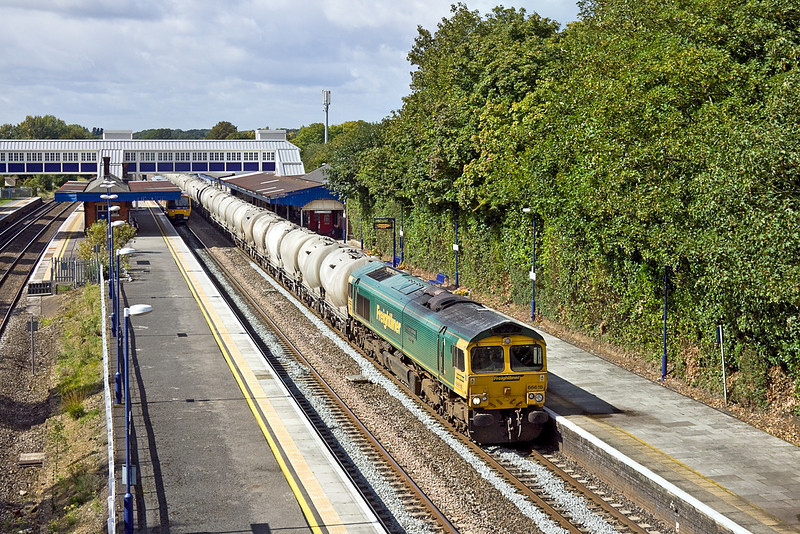 5th Sep 11:  Passing through Twyford is 66616 taking the cement empties from Theale to Earles in the Hope Valley