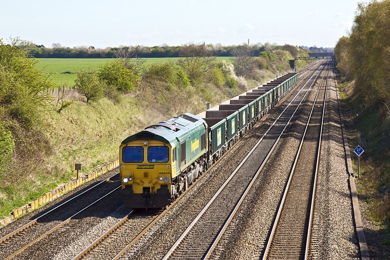 16th Apr 12:  The Neasden to Pengam empty MJAs are in the hands of 66544.  Seen here from the new bridge at Shottesbrooke