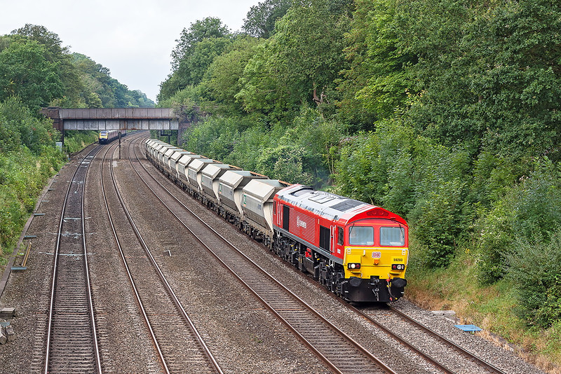 20th Aug 12:  Recently repainted 59203 rundles a rather short 7A09 from Merehead to Acton through the Sonning Cutting.  Pictured from the soon to be replaced the bridge in Duffield Road.