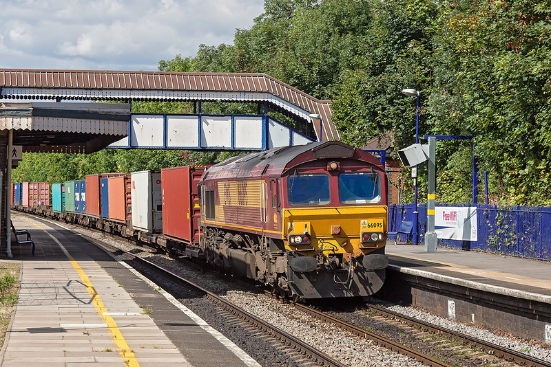 31st Aug 12:  4O23 is the 11.13 from Hams hall to Southampton Western Docks.  With 66095 on the point it is seen at Tilehurst