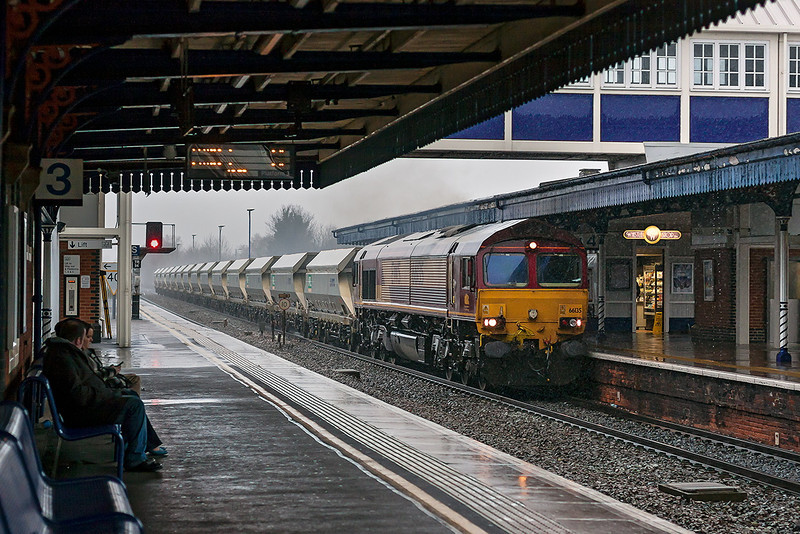 14th Dec 12:  Accelerating hard after crossing to the Relief line at Twyford West is 66135 working 6M20 from Whatley to St Panras