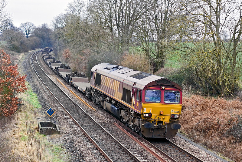 8th Feb 12:  The 04.33 from Wakefield to Southampton Eastern Docks. 4O53, with 66139 on the point  runs through Silchester