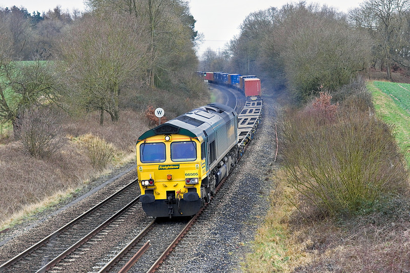 8th Feb 12:  66505 hammers north though Silchester powering 4M28 the 09.28 Southampton Maritme to Ditton