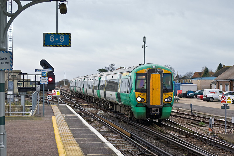 12th Jan 12:  Souther's 377473 rattles Bognor line junction into Barnham while working 1C33 from Portsmouth Harbour to Victoria