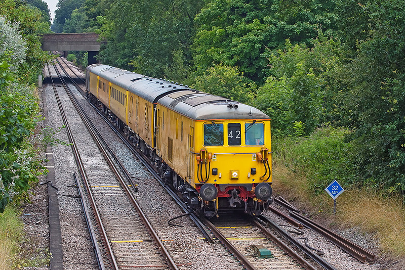 31st Jul 12:  73138 now leads as 1Q14 undertakes the Ascot to Alton leg.  Having just passed under the A322 it is about to run through Bagshot