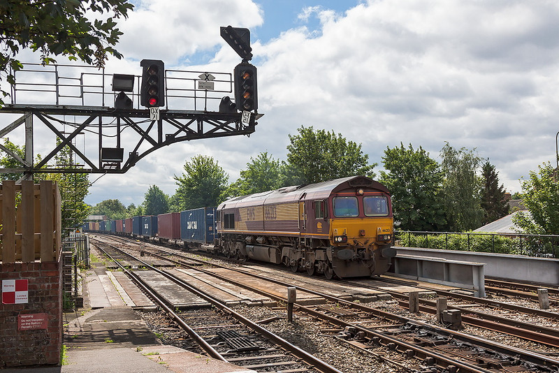 19th Jul 12:  4M66 from Southampton to Birch Coppice with 66213 at the helm charges through Oxford