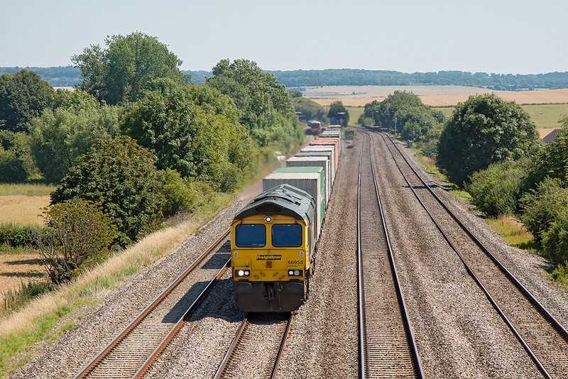 24th Jul 12:  66955 on the point of 4M61 from Southampton to  Trafford Park at Cholsey