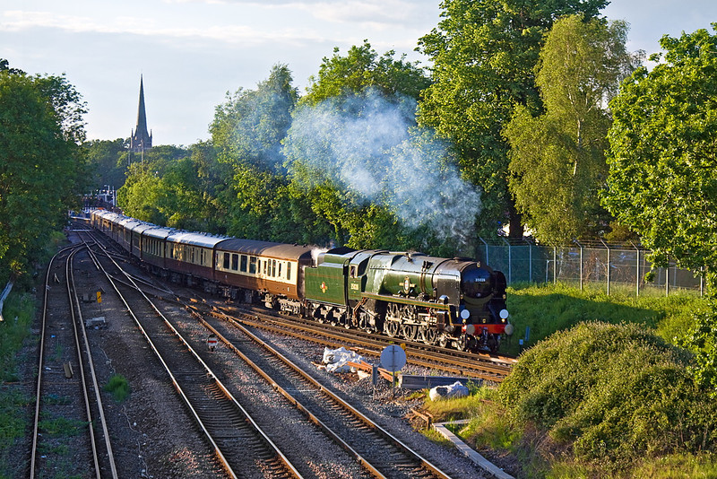 13th Jun 12:  Running about 20 minutes late Clan Line sounded great as it takes the Ascot line away from Wokingham