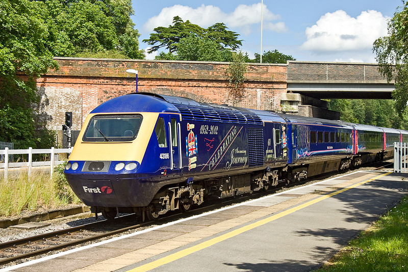 18th Jun 12:  Jubilee liveried FGW power Car 43186 brings up the rear of 1A82 the 11.06 from Paignton to Paddington.  Seen here at Twyford.