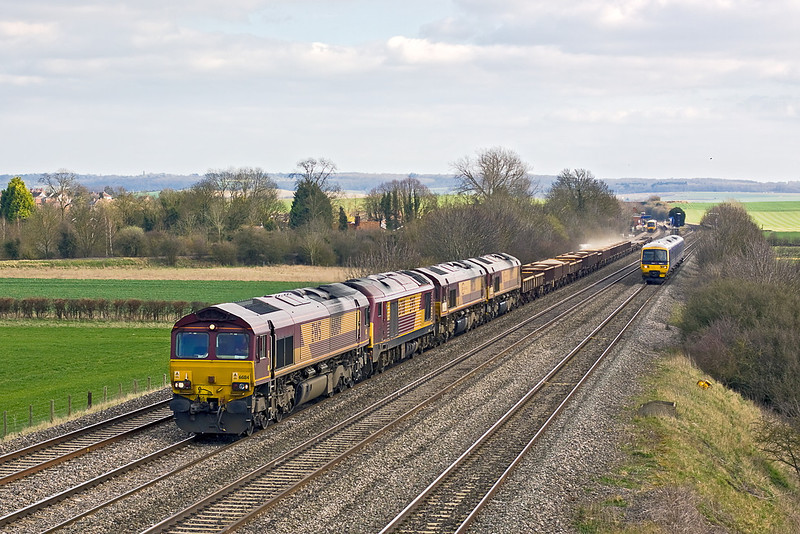 20th Mar 12:  66184 on the point of 6V27 the afternoon Eastleigh to Hinksey departmental..  Added to the consist are 67011 and Euro sheds 66226 & 66033.  Captured from the bridge in Manor Farm at Cholsey