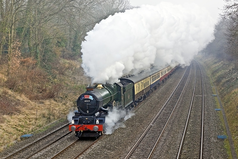 """1st Mar 2012:   Powering the """"Help fo Heroes"""" charity tour from Paddington to Cardiff is GWR 4-6-0 6024 'King Edward I'.  Captured from the Duffield Road bridge in the Sonning Cutting"""