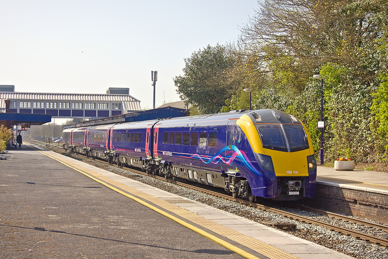 29th Mar 12:  The crew training run returns to Paddington via the Relief line.  180106 is captured at Twyford