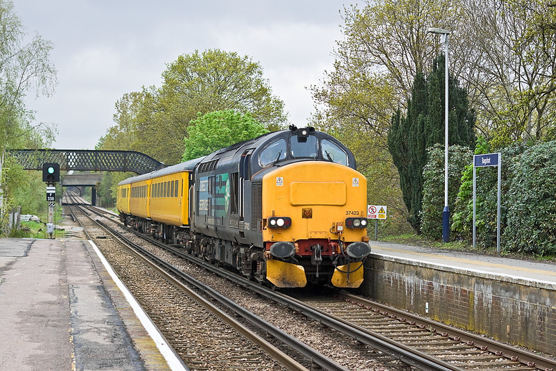 4th May 12:  With 37423 is now leading 1Q14 on the Staines to Aldershot leg of the day's itiinary which started from Westbury and will end in Derby