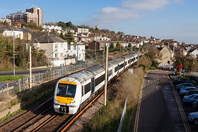 7th Nov12:  The 14.20 from Shoeburyness to Fenchurch Street (1B59) formed of 357206 runs through Leigh on Sea